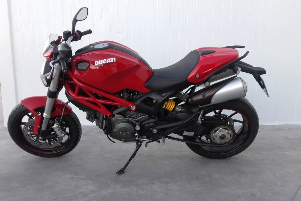 ducati-monster-796-2014-gasolina-53