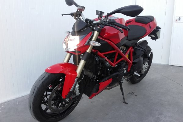 ducati-streetfigther-848-2014-gasolina-54